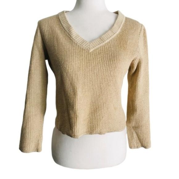 St. John Tops - St. John large sweater gold V-neck crop to waist